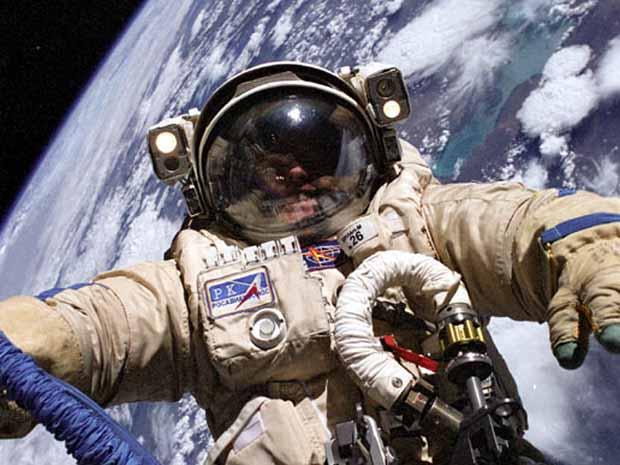 Miért romlik az űrhajósok látása?